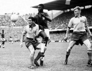 Pele playing in the 1958 World Cup final
